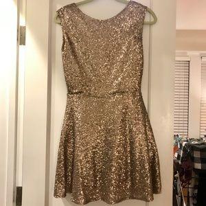 NWOT Gold Sequin Backless cocktail Dress